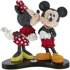 Mickey e Minnie - Edição Limitada 2016, esta obra-prima de execução da Swarovski traz um dos casais mais adorados da Disney. Um luxo de objeto de decoração!