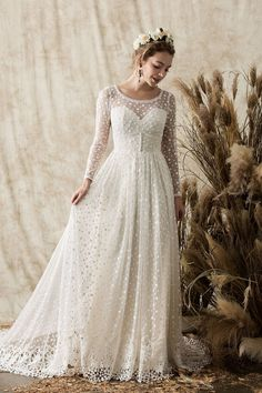 Looking for some gorgeous, romantic and boho wedding dress inspiration? My Dream Wedding Dress Guide is full of the best brands around. Romantic Bohemian Wedding Dresses, Boho Wedding Dress With Sleeves, Backless Wedding, Long Wedding Dresses, Wedding Dress Shopping, Bridal Dresses, Wedding Gowns, Modest Wedding, Vintage Boho Wedding Dress