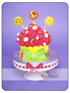 Candy theme cake. Cakes By Helzbach. Rhian Pieniazek Photography.