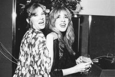 Robin Snyder-Anderson and Stevie, 1976, not long after Stevie joined Fleetwood Mac in 1975   ☆♥❤♥☆