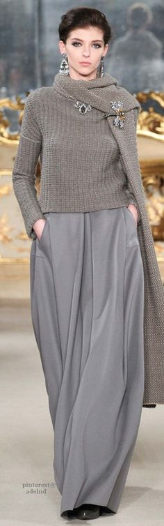 Being chic & comfortable, utilising interesting embellishments to highlight your beautiful face ~ Cortigiana 2016 re. Copains Fall 2015