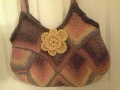 17 Square crochet bag