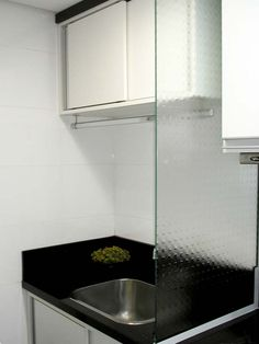 Interiores apartamento pequeno on pinterest litter box for Colores para apartamentos pequenos
