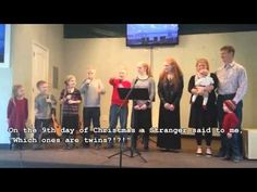 """Viral video - Family of 11 sings hilarious """"12 Days of Christmas"""" --- Laughed so hard... :D"""