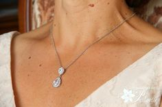 Collier mariage goutte et strass. Bridal teardrop necklace.