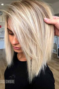 24 Awesome Ways To Style Straight Hair Easily Side Parted Blonde Long Bob ❤️ Looking for some ti – Farbige Haare Short Straight Hair, Straight Hairstyles, Cool Hairstyles, Blonde Long Bob Hairstyles, Layered Hairstyles, Medium Length Hair With Layers Straight, Modern Hairstyles, Short To Long Bob, Blond Medium Length Hair