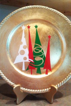 Decorative Charger Christmas Decoration by jwamsley on Etsy Christmas Vinyl, Christmas Plates, Winter Christmas, All Things Christmas, Christmas Holidays, Christmas Decorations, Christmas Ornaments, Christmas Pillow, Charger Plate Crafts