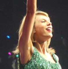 god bless whoever took this photo All About Taylor Swift, Taylor Alison Swift, Swift Tour, The 1989 World Tour, 1989 Tour, Ethel Kennedy, Olivia Benson, Florence Pugh, Sharon Tate