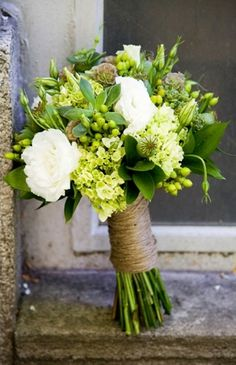 Heather Bliss via Callie Rose #wedding #bouquet #flowers