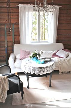 Vanity Bench, Rustic Decor, Interior Decorating, Shabby Chic, Cottage, Living Room, House, Inspiration, White Interiors