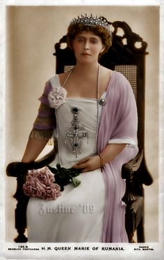 Princess Marie of Edinburgh, Queen of Romania. Princess of Edinburgh Romanian Royal Family, Middle East Culture, Royal Beauty, Portraits, Noblesse, Queen Mary, Photos, Pictures, Old Women
