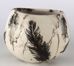 remember you can use feathers for raku! - marion williams raku with feathers Pottery Handbuilding, Raku Pottery, Pottery Art, Pottery Ideas, Ceramic Techniques, Pottery Techniques, Ceramic Pots, Ceramic Clay, Hand Built Pottery