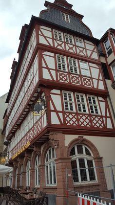 Frankfurt, Cabin, House Styles, Home Decor, Decoration Home, Room Decor, Cabins, Cottage, Home Interior Design