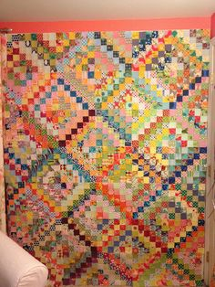 Scrappy Trip Around the World Quilt  Bonnie Hunter has a tutorial