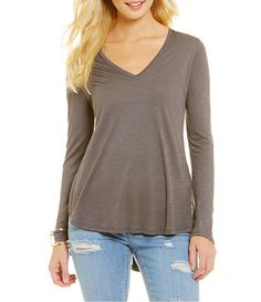 Two By Vince Camuto V-Neck Tee
