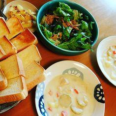 elbosque_bag今日のまかない #クリームシチュー #サラダ #パン#トースト #まかない#ランチ #クリーム #昼ごはん#献立#サラメシ #sarameshi #洋食 #おうちごはん#おうちカフェ #オウチゴハン