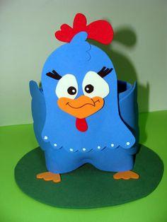Pollo recién pintado con mascota