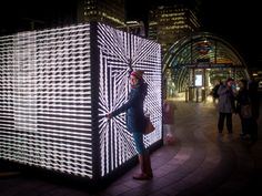 Interacting LED art installation / Canary Warf