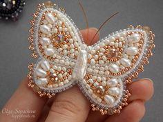 Бабочка-брошь жемчужная | biser.info - всё о бисере и бисерном творчестве