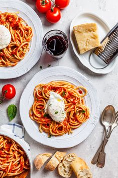 Frugal Food Items - How To Prepare Dinner And Luxuriate In Delightful Meals Without Having Shelling Out A Fortune 20 Minute Marinara Pasta With Poached Eggs Pasta Recipes, Dinner Recipes, Butter Pasta, Vegetarian Recipes, Healthy Recipes, Free Recipes, Mets, Poached Eggs, Food Blogs