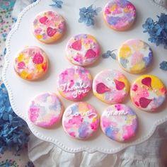 「【アイシング2017】水彩風マーブルアイシングクッキー」ほりゆー | お菓子・パンのレシピや作り方【corecle*コレクル】 Macaron Cookies, Flower Cookies, Fun Cookies, Holiday Cookies, Macaroons, Cake Cookies, Sugar Cookies, Cupcakes, Japanese Wagashi