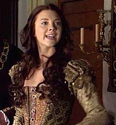 Natalie Dormer/ Anne Boleyn The Tudors Catherine Parr, Catherine Of Aragon, Tudor Fashion, Fashion Tv, Fashion History, Natalie Dormer Anne Boleyn, Los Tudor, Margaret Tudor, Anne Boleyn Tudors