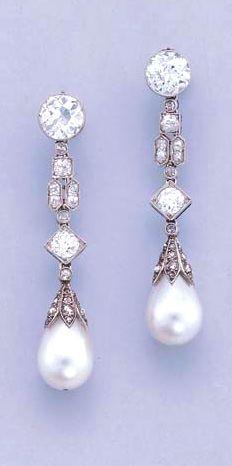 Orecchini pendenti Art Deco con perle e diamanti