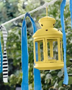 IKEA Österreich, Inspiration, Garten, Terrasse, Balkon, Outdoor, Sommer, Sonne, gelbe ROTERA Laterne