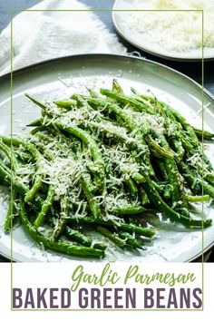 Perfectly cooked, yet perfectly crunchy, the balance to making the perfect green beans that will win over your family, the picky eaters, your guests, anyone and everyone. Trust me, this Garlic Parmesan Green Beans is one recipe you need in your dinner menu arsenal. #Thanksgivingside #vegetarian #vegetarianside #Holidaysides #thanksgiving #greenbeans #garlicparmesangreenbeans #bakedgreenbeans