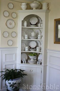 I want a set of all white dishes for this look!