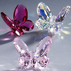 This crystal figurine can be given as the perfect gift, or to add to your collection.