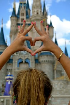 Throw what you know in front of the castle! Sigma Kappa loves Disney.