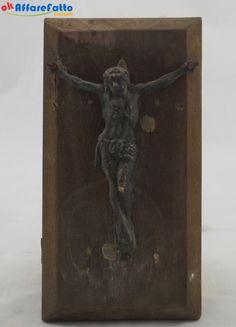 H 749 STATUINA IN FERRO GESU' CROCEFISSO SU LASTRA DI LEGNO - http://www.okaffarefattofrascati.com/?product=h-749-statuina-in-ferro-gesu-crocefisso-su-lastra-di-legno