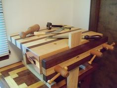 DOVETAILING & CARVING BENCH