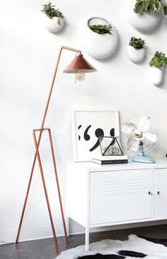 Take a look at the gorgeous DIY copper pipe floor lamp made by home decor guru I Spy DIY. This homemade statement piece is made of several parts and looks amazing when completed.
