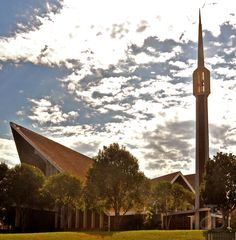Dutch Reformed church of King Williams Town, Eastern Cape, South Africa. Mosques, Cathedrals, King William, Church Architecture, Church Building, Place Of Worship, Kirchen, South Africa, Dutch