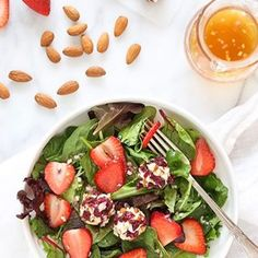 Goat cheese rolled in almonds and cranberries are everything!  8 Smart Points	- 239 Calories http://www.skinnytaste.com/berry-salad-with-almond-cranberry-crusted-goat-cheese/ recipe link in profile #skinnytaste #salad #strawberry #weightwatchers #smartpoints #thefeedfeed #food52 #thektchn