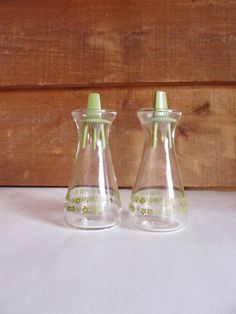 Pyrex Crazy Daisy Glass Salt and Pepper Shakers by ThreeBestGirls