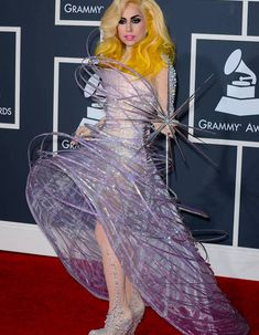 Lady Gaga : ses robes les plus dingues !