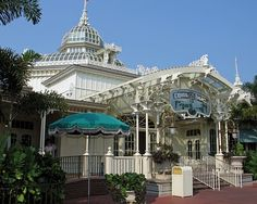 crystal palace @ magic kingdom.  breakfast with winnie the pooh and friends!