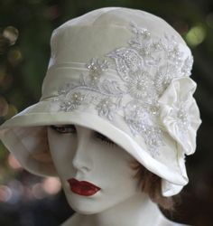 1920's Gatsby Vintage Style Cloche Wedding Bridal by GailsHats