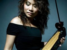 Vân-Ánh Vanessa Võ gives a Gershwin classic an expressive, evocative twist with the đàn bâù, a traditional Vietnamese instrument.