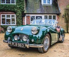 result for triumph classic car New Sports Cars, British Sports Cars, Classic Sports Cars, Classic Cars, Triumph Auto, Triumph Tr3, Dream Cars, Vintage Cars, Antique Cars