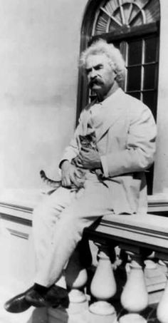 Mark Twain – Samuel Langhorne Clemens, better known by his pen name Mark Twain, was an American author and humorist. Mark Twain – Samuel Langhorne Clemens, better known by his pen name Mark Twain, was an American author and humorist. Crazy Cat Lady, Crazy Cats, Mark Twain Quotes, Writers And Poets, Writers Write, Cat People, Wise Quotes, Funny Quotes, Man In Love