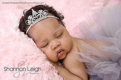 Tiara recién nacido bebé diadema diadema por ASweetSweetBoutique, $15.00