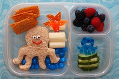 How Many Arms Does an Octopus Have? This bento lunch was packed in Easy Lunch Boxes Lunch Box Bento, Easy Lunch Boxes, Lunch Snacks, Kid Snacks, Boite A Lunch, Kids Lunch For School, School Lunches, Little Lunch, Toddler Lunches