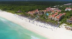 Sandos Playacar Beach Resort All Inclusive Playa Del Carmen Situated on an 800-meter stretch of private beach, this all-inclusive resort boasts 4 pools, a luxury spa and 18-hole golf course. This Playa del Carmen hotel is near Xcaret WaterPark.