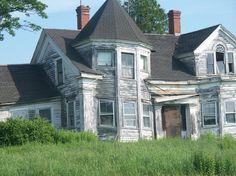 Derelict house by kingbillie72 on Deviantart.