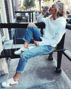 Claire Rose / pinterest: pipleopold