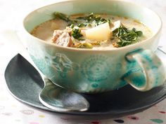 Read More About Recipe from FB.from Carl Barbaro. This WONDERFUL SOUP is Easy, Quick & in a Crock Pot! **use Spicy Italian Sausage to get that signature Olive Garden flavor**. Zuppa Toscana Suppe, Toscana Soup, Ham Soup, Potato Soup, Sausage Soup, Turkey Sausage, Baked Potato, Slow Cooker Recipes, Crockpot Recipes